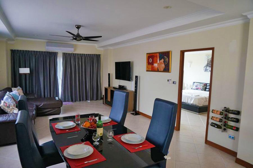 Spacious Two Bedroom, Two Bathroom Condo in Central Jomtien