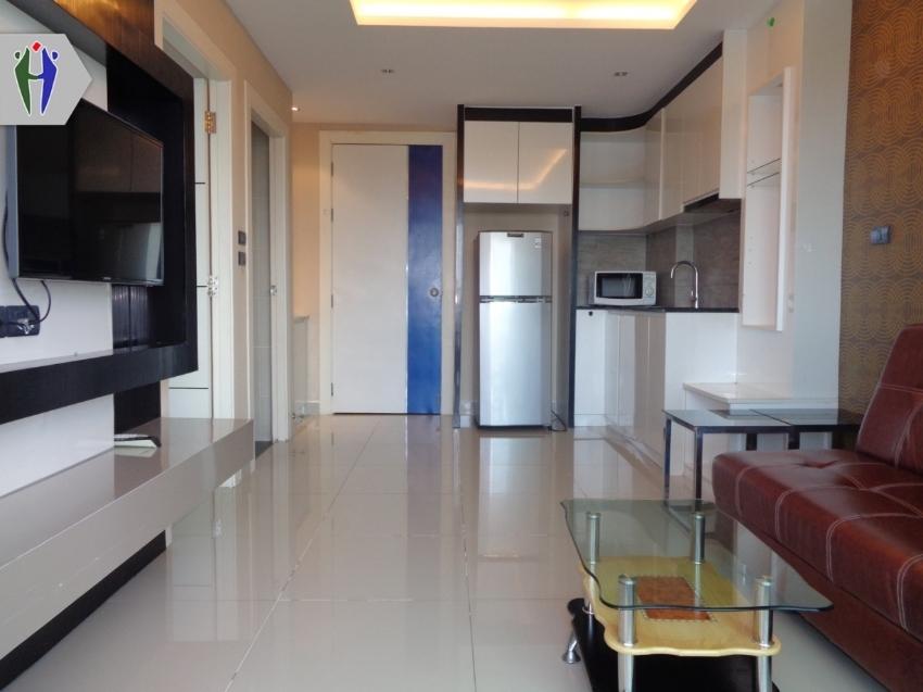 Condo for Rent 8,000 baht East Pattaya European Kitchen