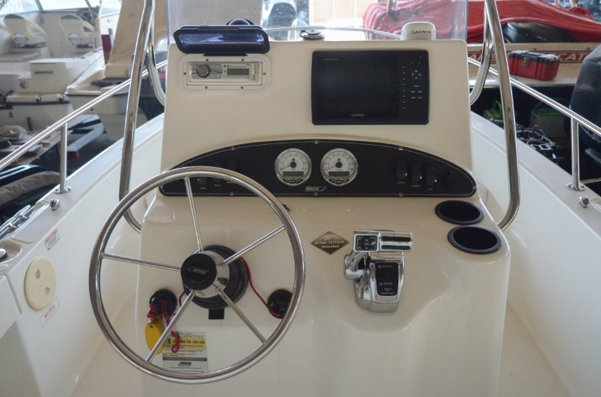 2006 Boston Whaler 190 Outrage For Sale in Nonthaburi | Khana Yacht
