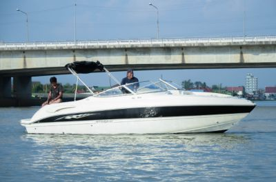 2006 Stingray 250 LR For Sale In Nonthaburi | Khana Yacht