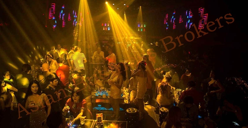 0149233 Fresh and Modern Night Club for Sale and Rent on Sukhumvit