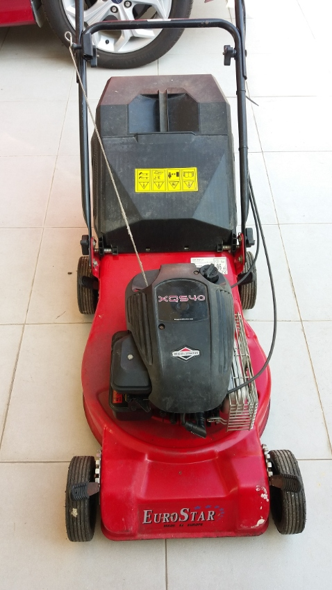 Euro Star 16in Petrol Briggs And Stratton Lawn Mower
