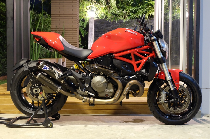 [ For Sale ] Ducati Monster 821 2016 comes with Termignoni exhaust!