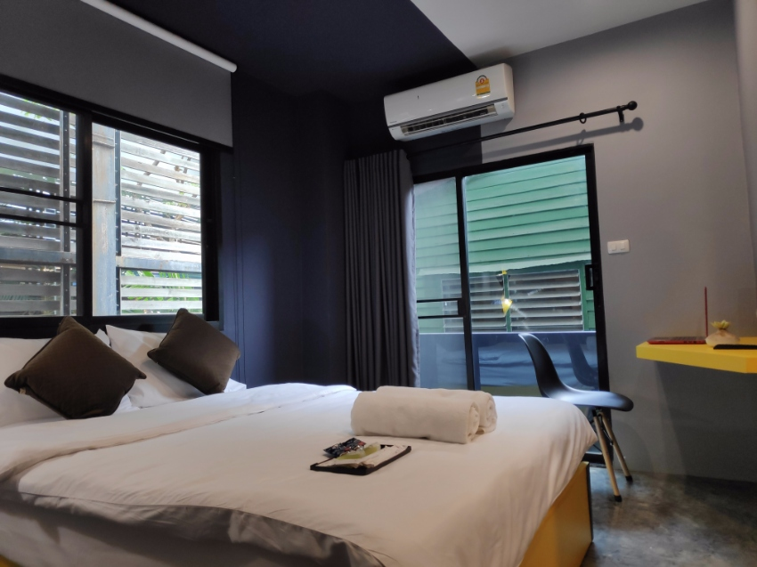 High Profit Hotel Business for sales in Bangkok 200m MRT