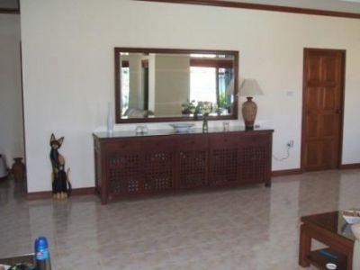 Large 5 Bedroom Bungalow with Pool On 890 sqm Plot !!