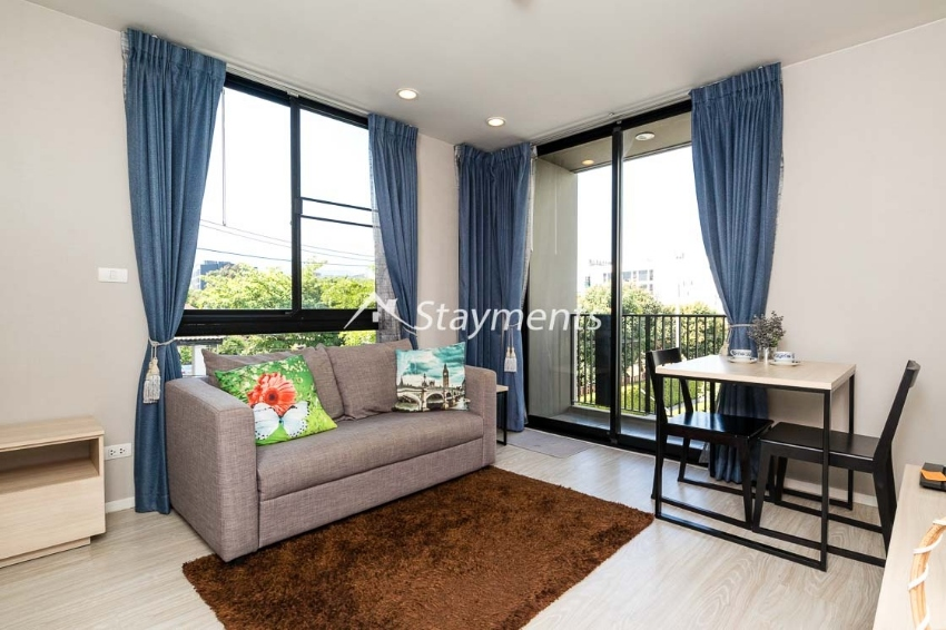 One Bedroom Condo on Nimmanhaemin For Rent. Short Term Possible
