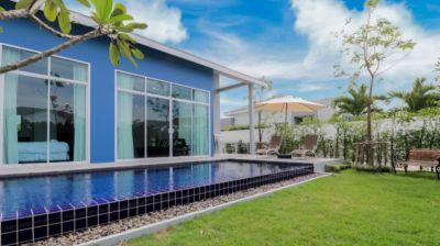 New Contemporary Style Pool Villa Near All Amenities Cha am