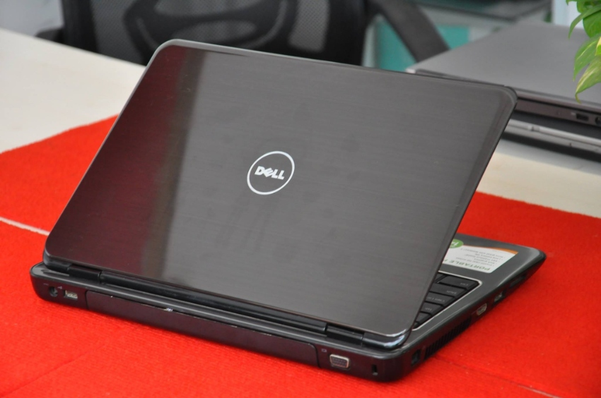 DELL Inspiron n4010 (intel i3 ,4gb,320gb,HDMI , 14