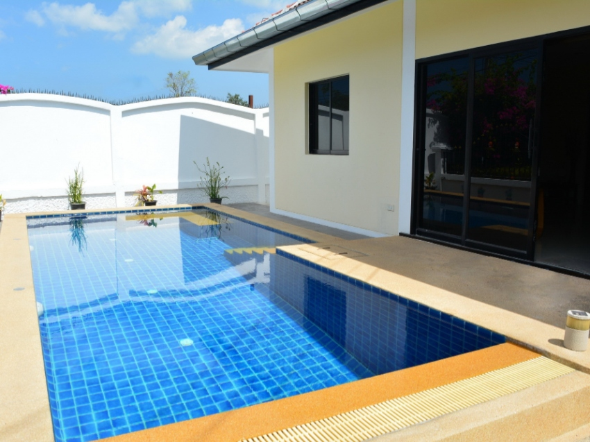 2 bed house with private pool for sale at 2,950,000!