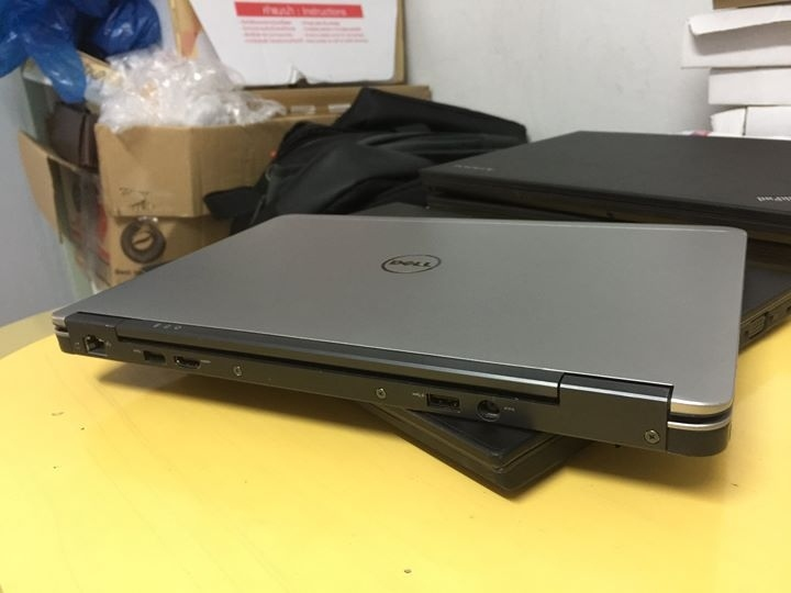 Dell Latitude E7240(I5,8GB,128 MSATA SSD(SUPER FAST) 12.5