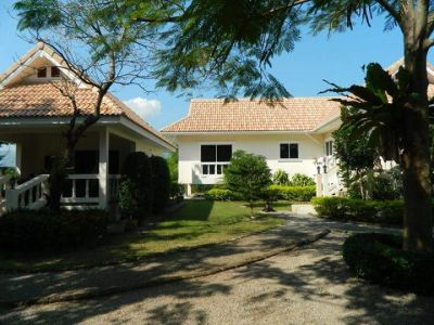 house and guest house for sale cha am 3,750,000 baht quick sale