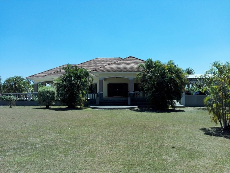 Negotiable! Fully Furnished 3 BR 3.5 Bath on 2-3-65 Rai Plot Must See!