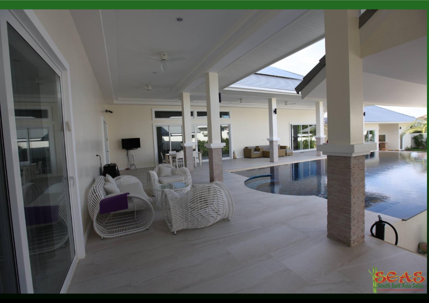 Breathtaking Quality Investment Villa in Quiet Hua Hin Garden Developm