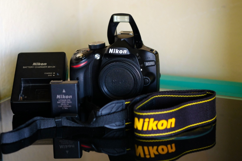 Nikon D3200 DSLR camera Black body