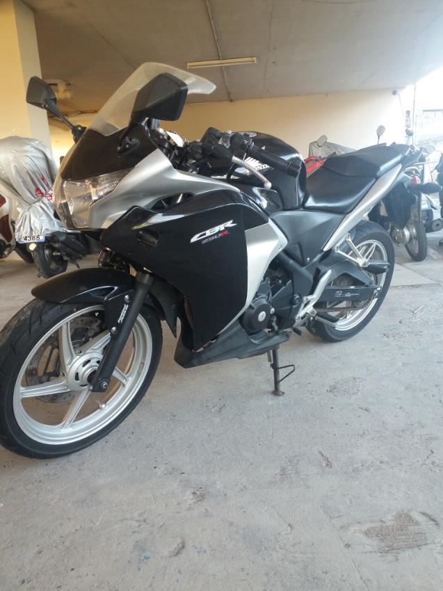 CBR 250R   CBR250R