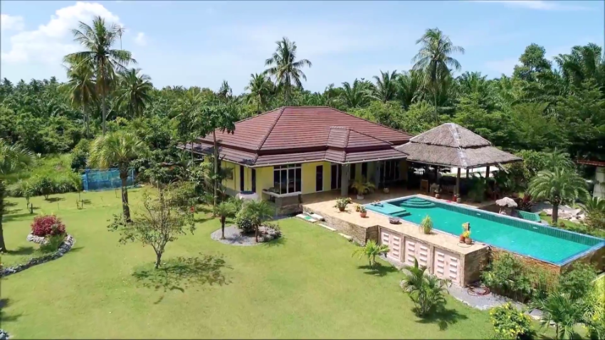 Drop price now !!! Pool Villa mountain view 900 m.to the beach.