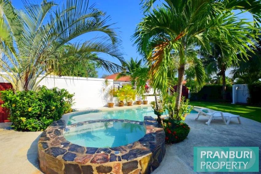 Neat 3 bedroom pool villa on private end plot mature estate Hua Hin