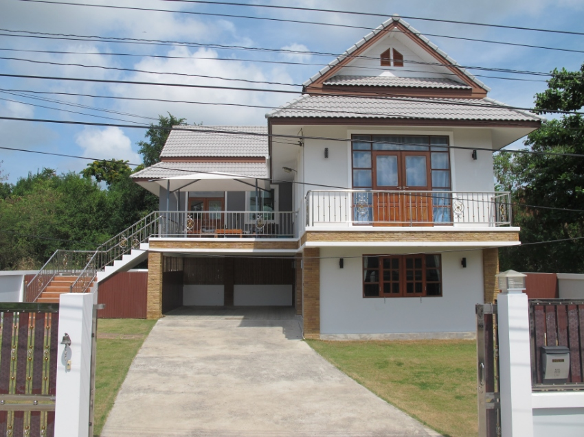 NOW REDUCED FOR QUICK SALE. Modern Family House in Sattahip