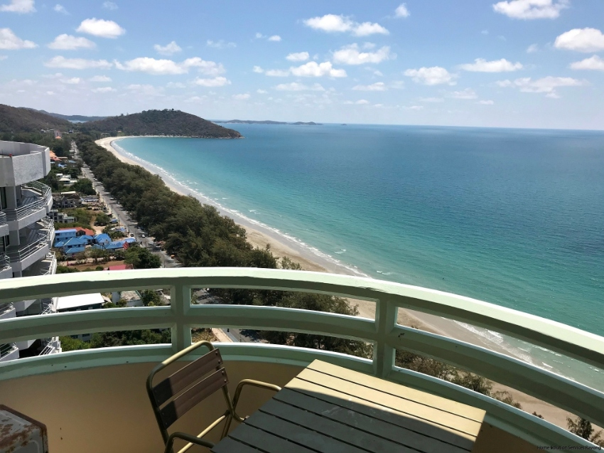 1 bedroom beach condo with amazing ocean views from the 27th floor!
