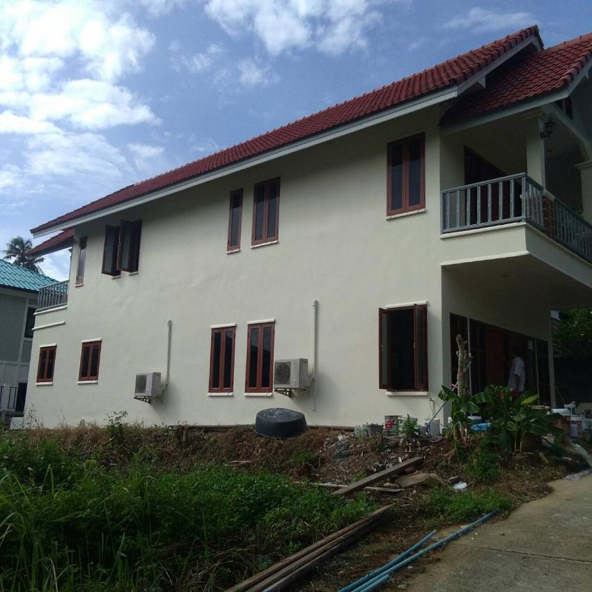 like new 2br, 2 bath, 2 story house