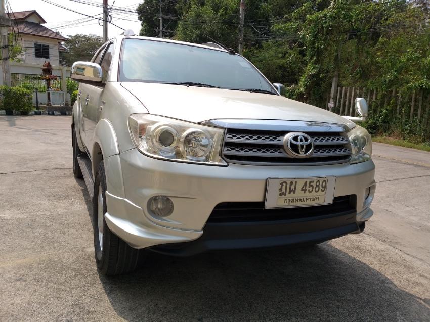 Toyota Fortuner 2010 year