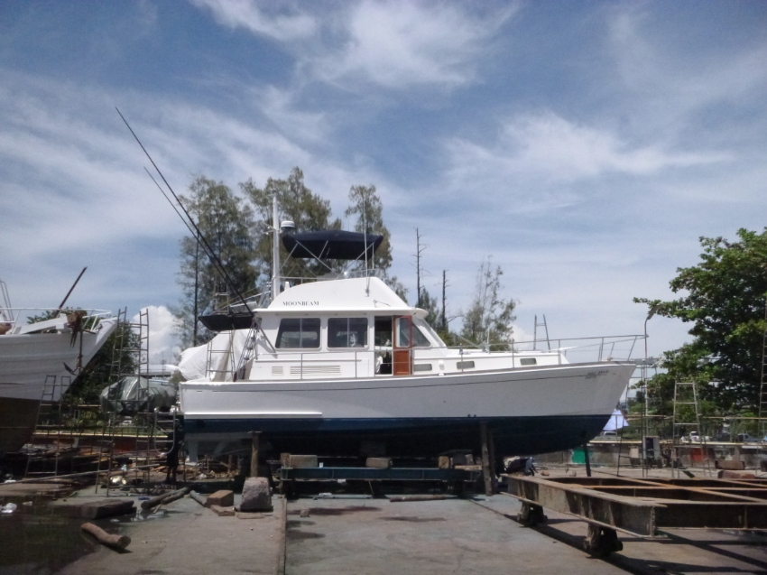 UNIQUE IN THAILAND !!!  AMERICAN MARINE EASTBAY  40  FOR  SALE