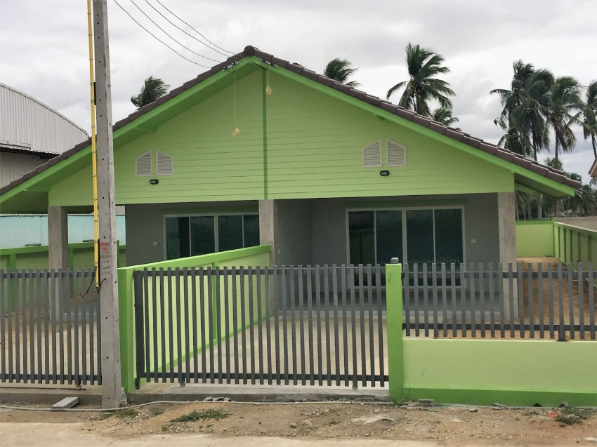 Takian Tia - new house - 220 sqm plot - 1.8 mb, now free airco's
