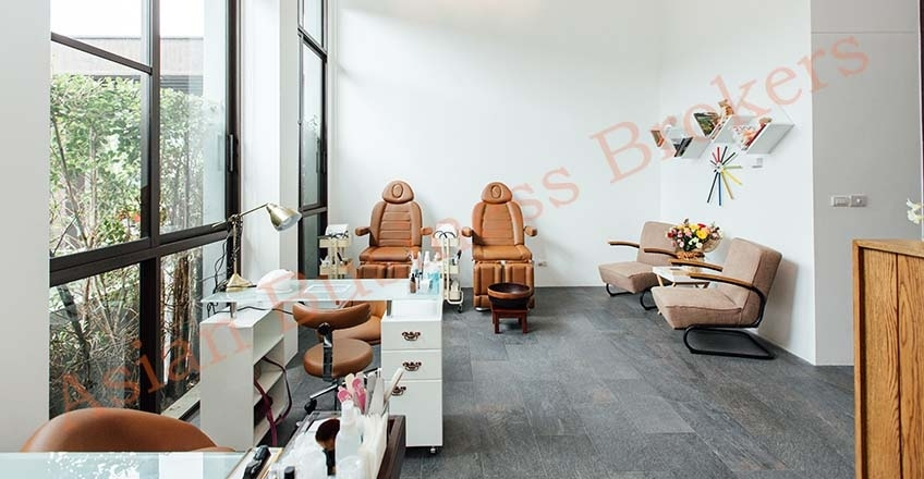 4801040 Cozy Nail Salon in Residence Building in Rawai, Phuket