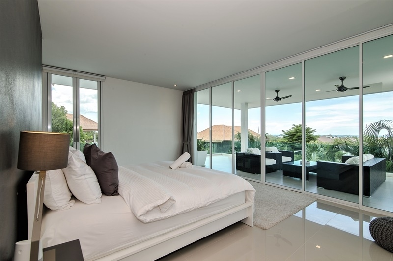 Stunning! Luxury Sea & Mountain View Furnished 4 BR 5 Bath Pool Villa