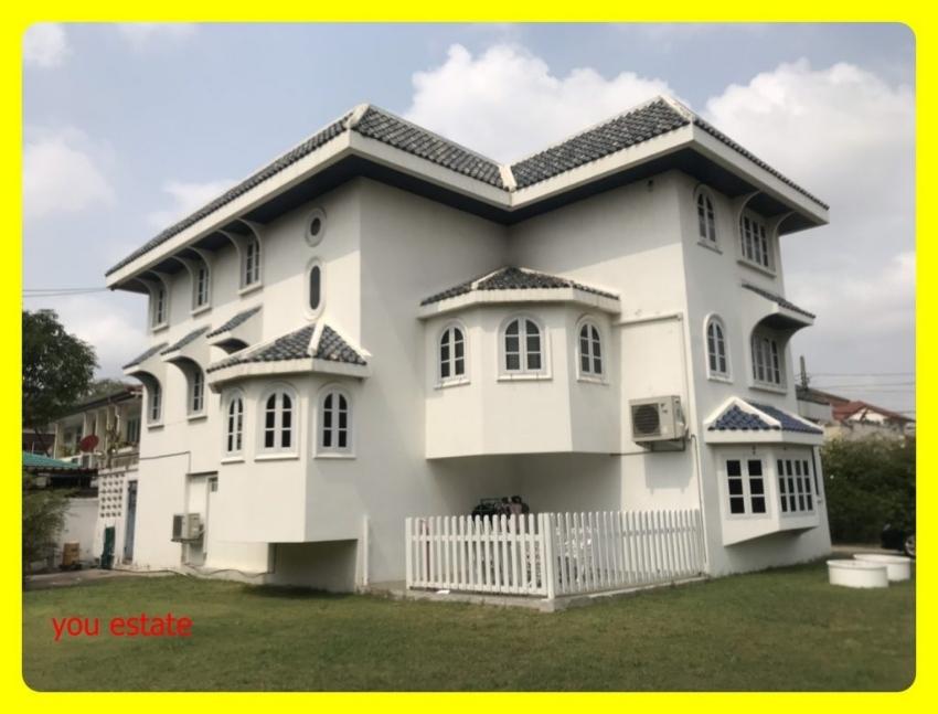 ขายบ้านพร้อมที่ดิน 202 ตรว บีทีเอส ปุณณวิถึ 2 กิโล หมู่บ้านลานนาไทย