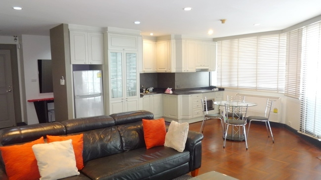 Lake Avenue (Asok) - Large & modern unit with excellent views