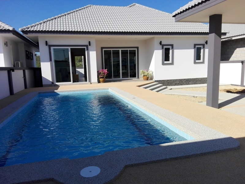 New Quality Built Furnished 3 BR 2 Bath Pool Villa Cha-am Town Center