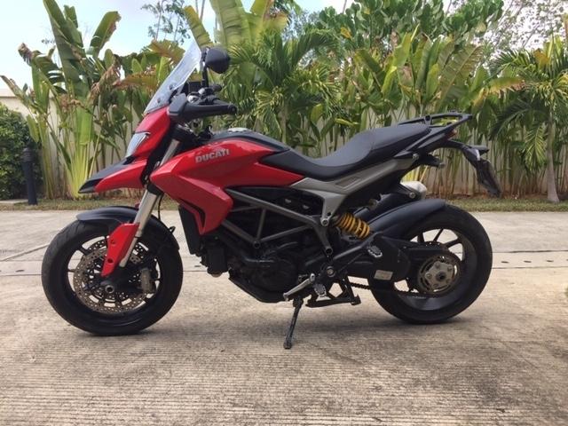 Ducati Hyperstrada  821 CC