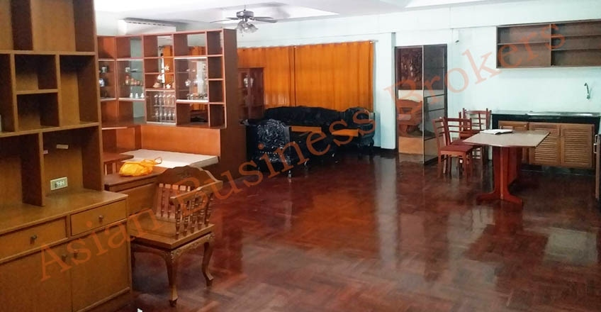 1001007 Chiang Mai Stand Alone House for Rent Suitable for Restaurant
