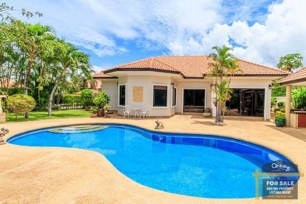Outstanding Value 3 Bed Villa, corner plot near beaches