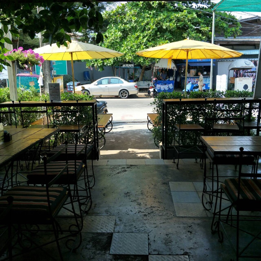 Top Cafe/Burger Bar ... PRICED FOR QUICK SALE