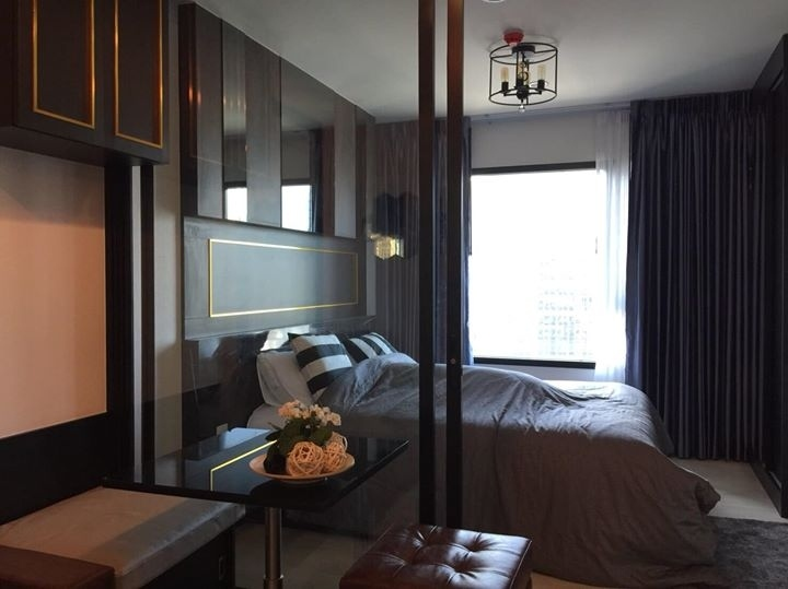 Condo for rent Life Asoke, close to MRT, Airport Link, Expressway