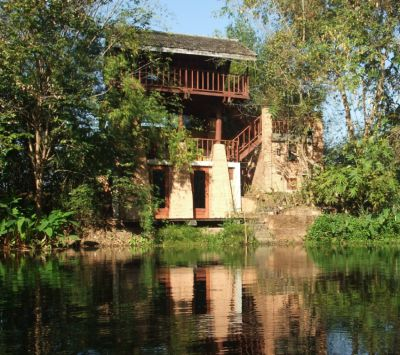 Chiang Mai: Unique little lakeside home for monthly rent