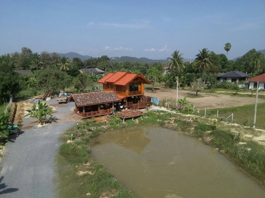 Beautiful wooden house for sale in Doi Saket, Chiang Mai.