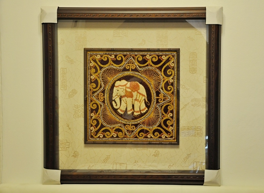 HANDCRAFTED ART IN HIGH QUALITY STEREOSCOPIC TIMBER FRAME (A)