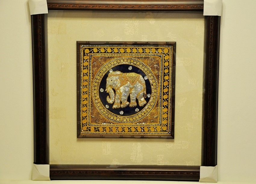 HANDCRAFTED ART IN HIGH QUALITY STEREOSCOPIC TIMBER FRAME (B)