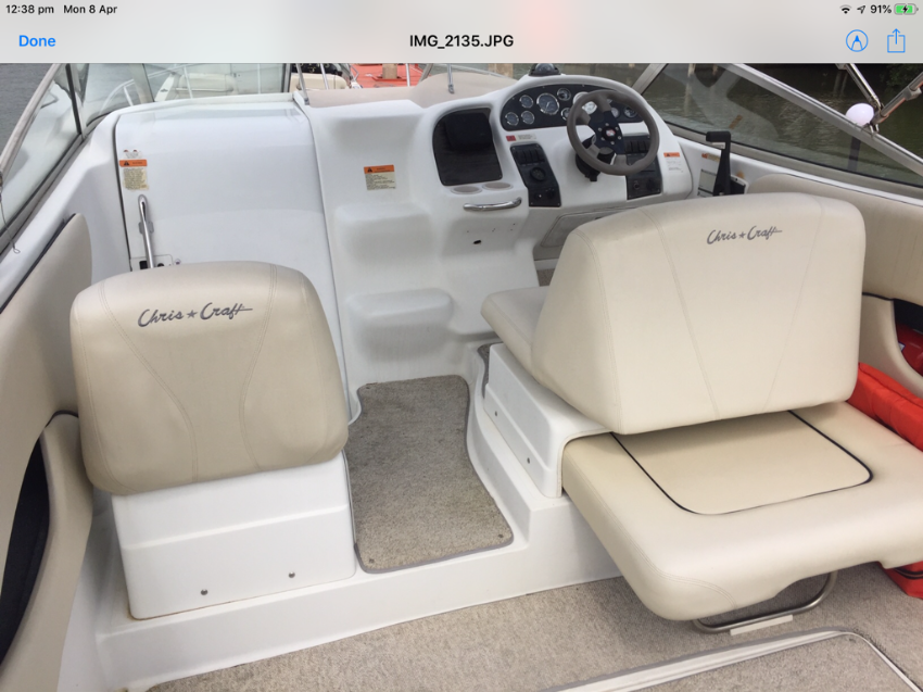 Chris Craft express cruiser 268
