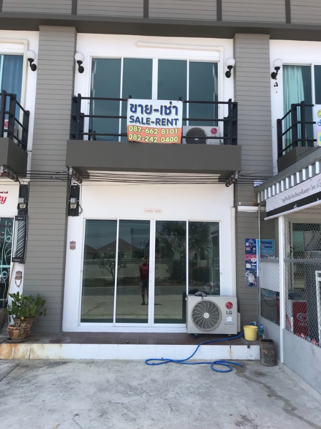 New Shop House for rent