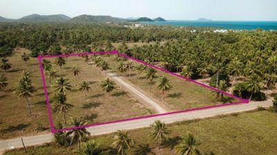 Land 6 rai 400 m the beach for sale in Pranburi