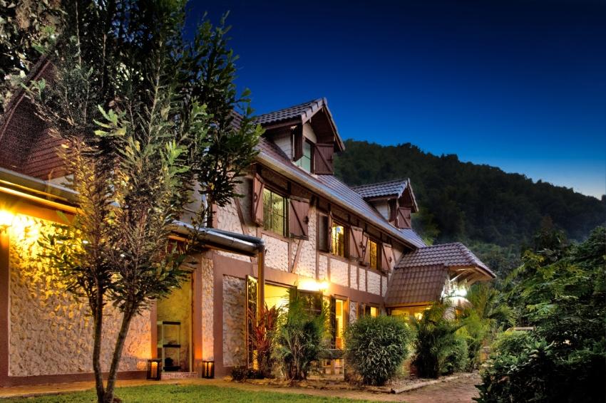 Private Remote Resort Complex in Lam Nam Nan National Park Sale