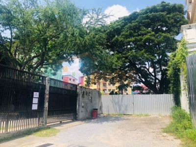 Land for investor! Suitable for apartment, office or commercial