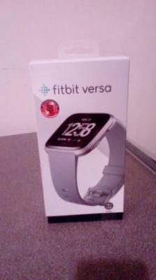 Fitbit Versa(new)