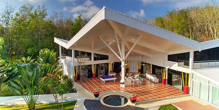 Luxurious Contemporary Tropical Villa Phuket