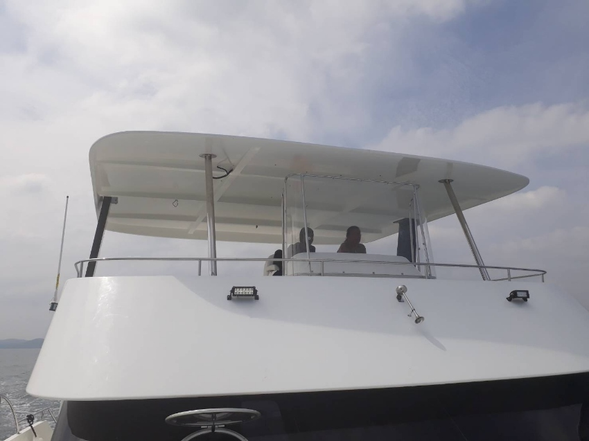 NEW DAY TOURING CATAMARAN - READY FOR BUSINESS