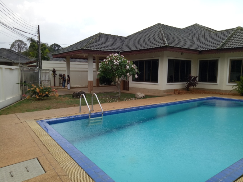 House for sale with private pool, East Pattaya,soi.Siam Country Club.